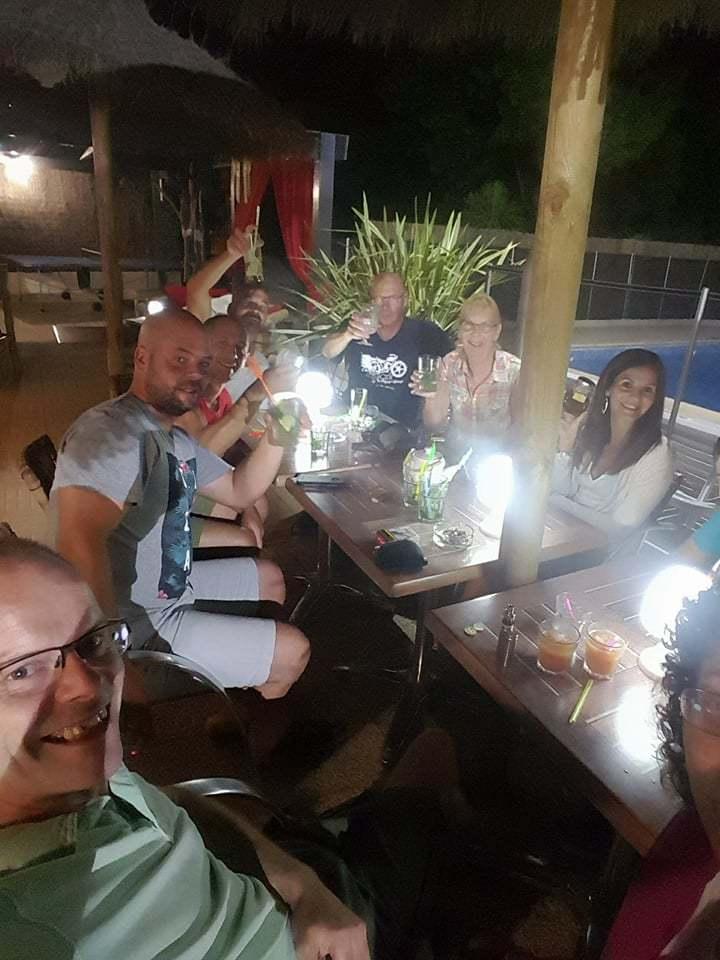 Camping avec piscine et location mobile home p zenas les cigales - Pezenas piscine ...